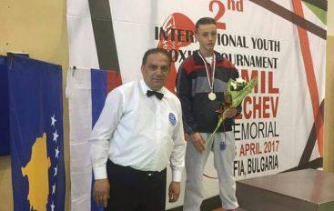 "Shpejtim Bajokut medalja e argjente ne turneun ""Emil Jetchev""."