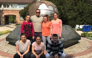 Majlinda me trimëreshat tjera në Varshavë, synojnë medalje