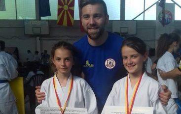 Amina dhe Sara me medalje nga turneu në Shkup