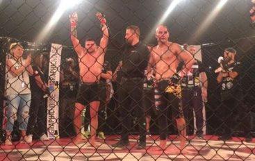 "Florian Marku ""masakron"" për 4 minuta boksierin grek"