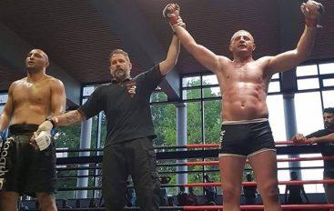 Dritan Barjamaj po bën çudira në MMA