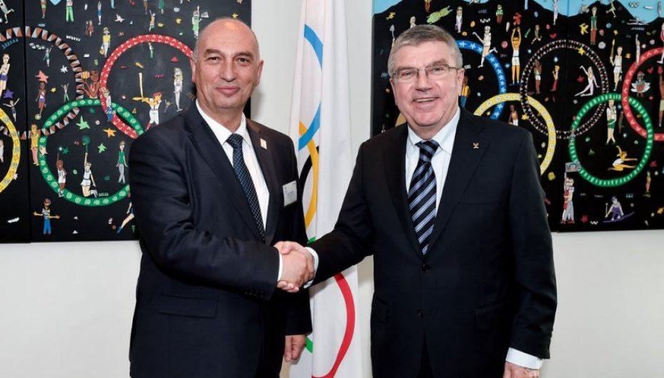 Hasani pritet të takohet me presidentin e KON-it