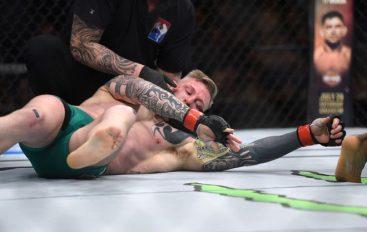 Një nokaut i rrallë ndodhi mbrëmë në UFC Fight Night 113 në Glasgow (Video)