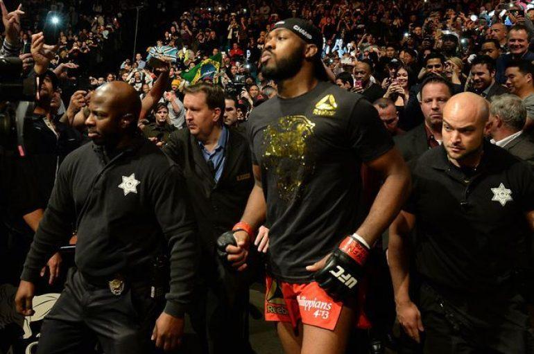 UFC 214, Jones dhe Cormier dhurojnë spektakël në konferencën për shtyp