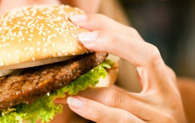 6 MËNYRA PËR TË KONSUMUAR MË PAK JUNK FOOD