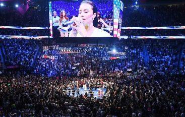 Fansat braktisin duelin, 5 mijë vende bosh në sfidën Mayweather-McGregor