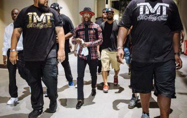 """Mayweather çon stafin për """"shopping"""" pas fitores ndaj McGregor"""
