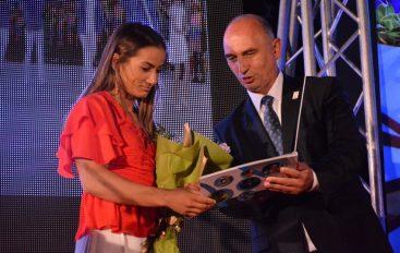 """Komiteti Olimpik i Kosovës promovoi librin """"Debutimi i Artë'"""