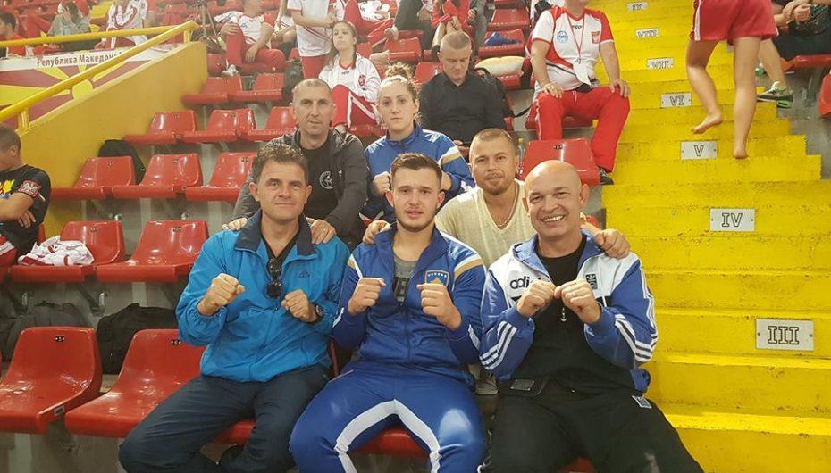 "Klubi i Kikboksit ""Kastrioti"" fiton medalje historike për Kosovën atë evropiane"