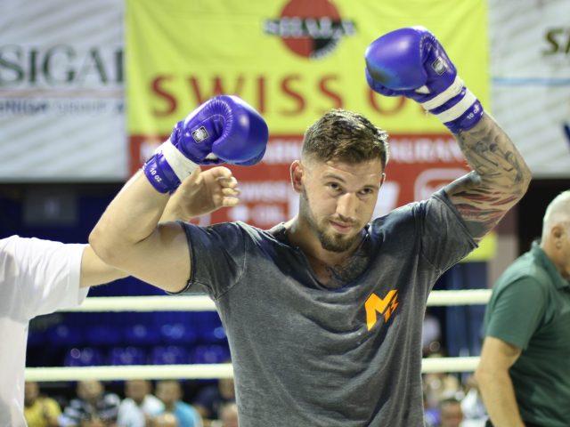 Senad Gashi  Dua të bëhem boksieri i parë shqiptar duke fituar katër titujt botërore