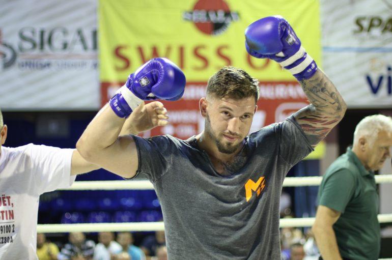 Senad Gashi: Dua të bëhem boksieri i parë shqiptar duke fituar katër titujt botërore