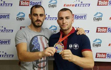 Dy vëllezër, një medalje!