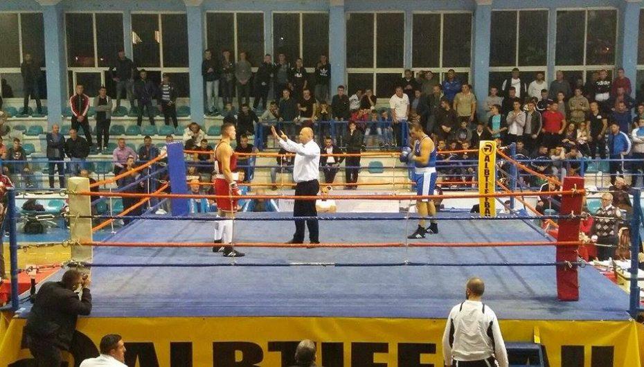 Më 27-29 shtator, kampionati i boksit zhvillohet në Shkodër