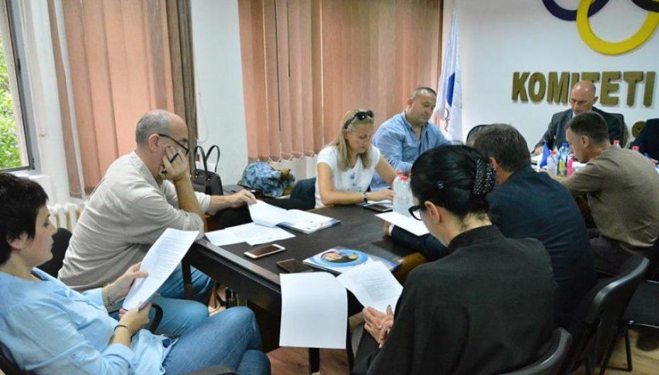Komiteti Olimpik i Kosovës ndanë rreth 21 mijë Euro për 16 federata olimpike
