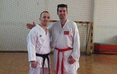 Shkupi katër medalje në Kosovë