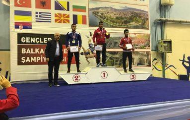 Sejfullahi, i argjendtë në Bursa të Turqisë, kurse Mustafovski fiton bronzë