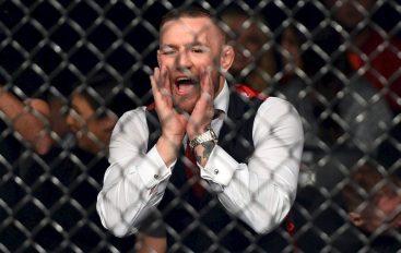 McGregor kapet mat duke sharë gjyqtarët gjatë një ndeshje të UFC-së