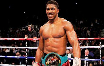 Joshua rrëfen idhullin e tij: Dua të jem si Mike Tyson