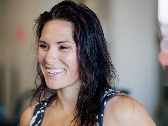 UFC  legjenda Cat Zingano rikthehet në kafaz pas dy vitesh