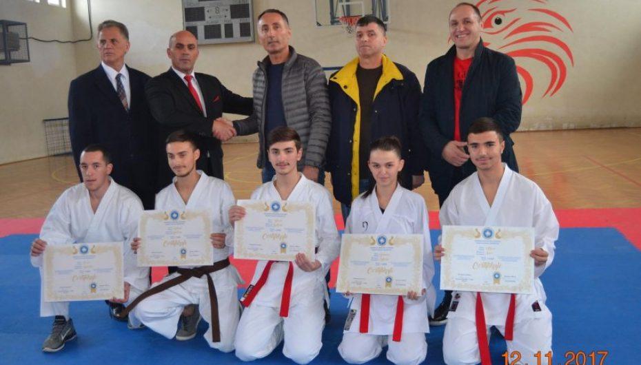 Karatesë iu shtuan edhe 5 mjeshtër