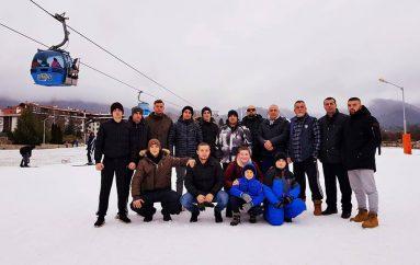 Kampionët pushojnë në malet e Banskos
