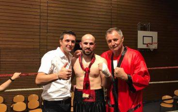 Muharem Gjocaj pret fitore nga dy boksierët e tij