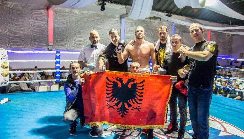 Flamur Elezaj, pejani që kërkon kreun botëror në boks