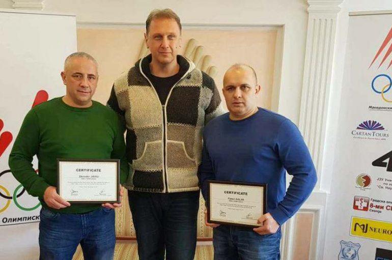 Faton Salihu dhe Skender Jahiu i marrin certifikatat nga AIBA