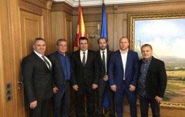 Zoran Zaev i mbështet maksimalisht mundësit