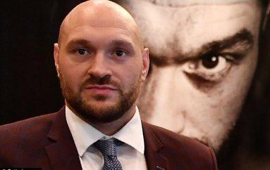 Pret të marrë licensën për të boksuar, Tyson Fury bëhet menaxher