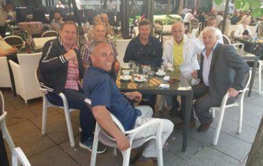 Yjet e Kosovës dikur përplaseshin keq mes vete, sot pinë kafe bashkë!