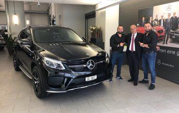Frizur Besart Brothers i dhurojnë veture super luksoze babës për ditëlindje!