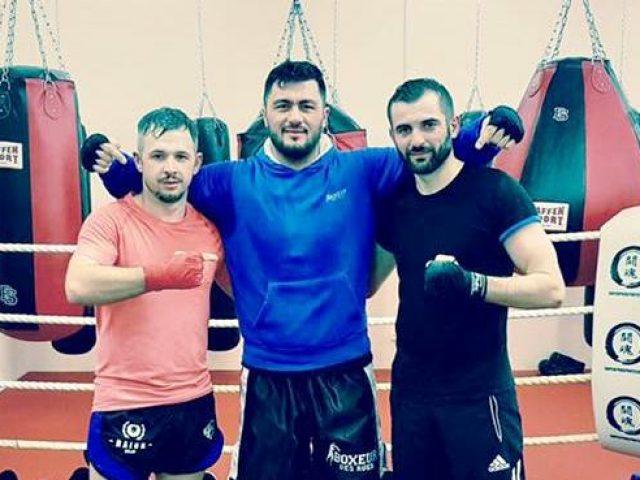 Ali Adili pret fitore në  Super Pro Fight Night   Uskana