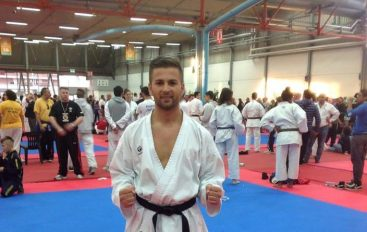 """Martial Arts Gym"" shkolla që mbledh kampionat tek trajneri Hamit Topalli"