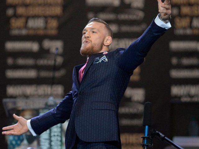 Konferenca e shtypit mes McGregor e Khabib  live  në ekranet e Times Square
