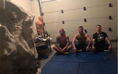 """""""Kritikët nuk kanë statuja"""", McGregor sulmon mosbesuesit"""