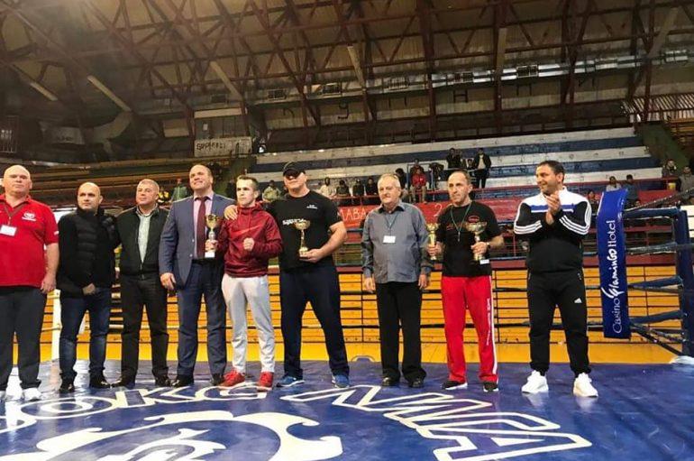 Jasin Lama është shpallur boksier më i mirë