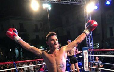"""Mitat Isteri, shqiptari i parë që do ndeshet në """"Thai Fight"""" në Tajlandë"""