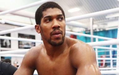 """Premtimi i Joshua: Do t'i mund """"top-10"""" boksierët, një e nga një"""