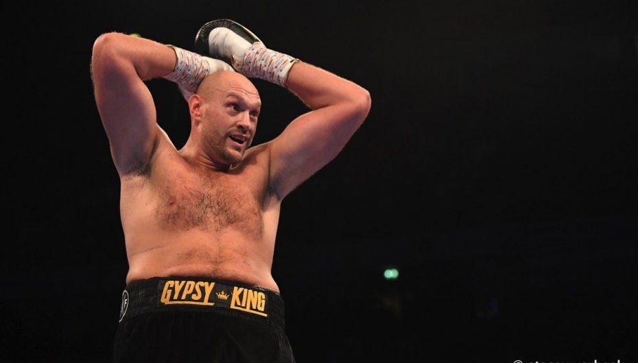 2019-ta nis mbarë për Tyson Fury, merr dy titujt e parë nga WBC-ja