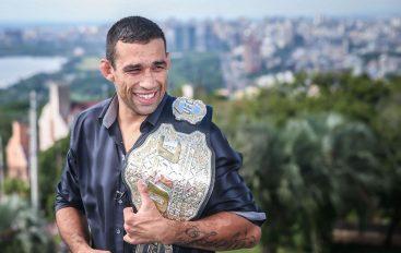 Ish-kampioni i UFC shpëton adoleshentin që ishte duke u mbytur