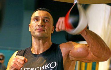 Klitschko rikthehet në ring
