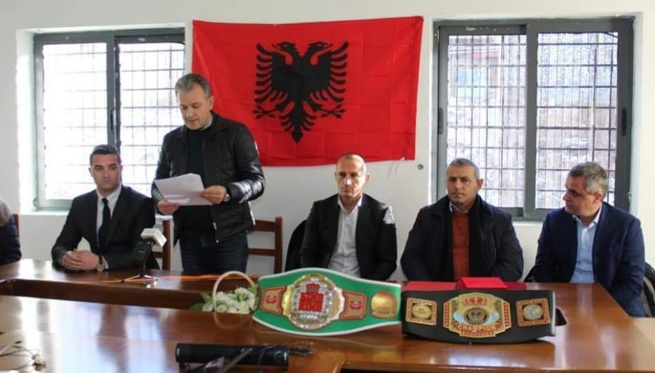 """""""Qyetar Nderi"""" i Bulqizes, Kampionit të botës në kickbox Adriatik Cami"""