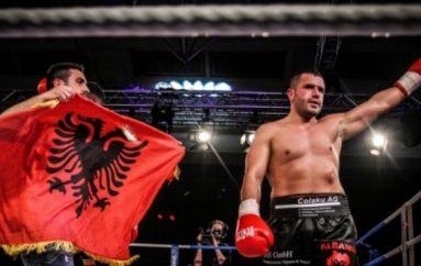 Shiko boksierët profesionist me licenca të Shqipërisë ???