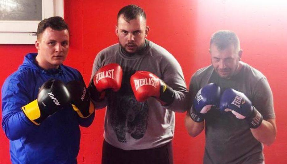 Strugani Dielli Alushi synon boksin profesionist