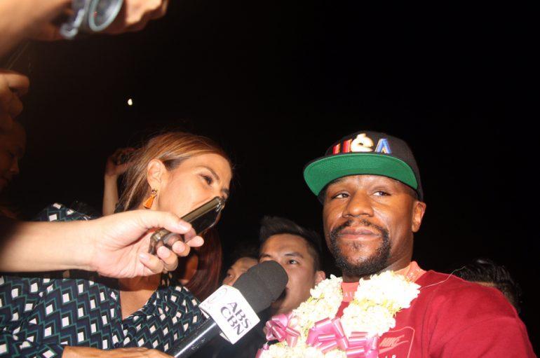 Mayweather rikthehet në Filipine, takim sekret me Pacquiao