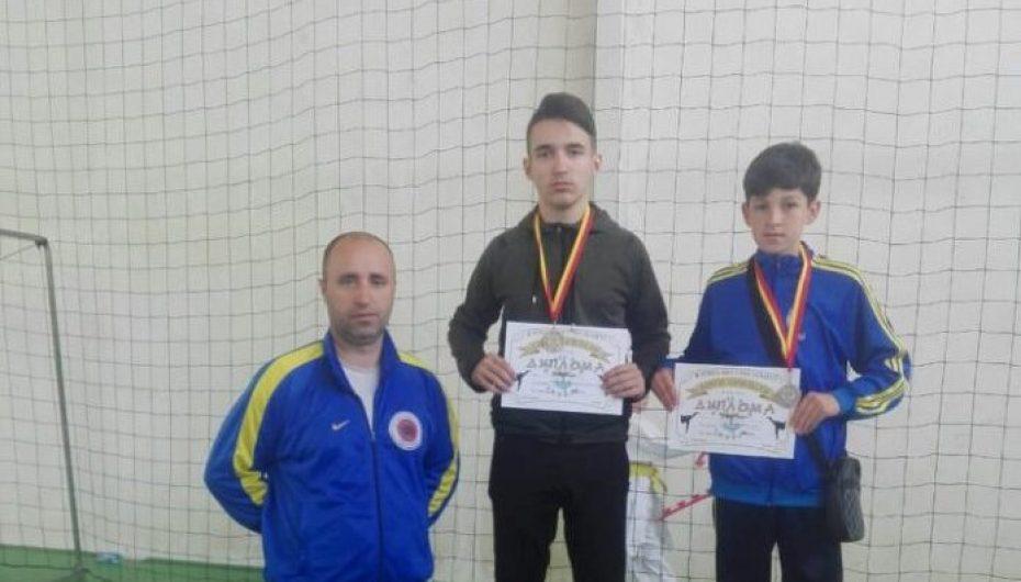 Trajneri Aliu i kënaqur me Demën dhe Rushitin