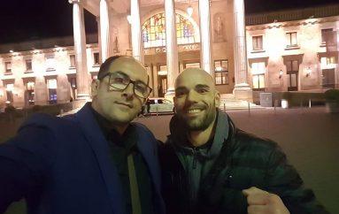 Shemallari do boksoj në spektaklin e madh në Wiesbaden