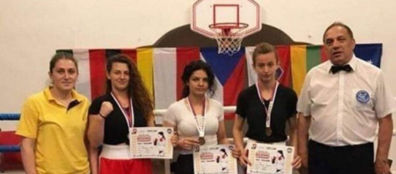 Boksierja shqiptare e fiton medaljen e artë në Çeki