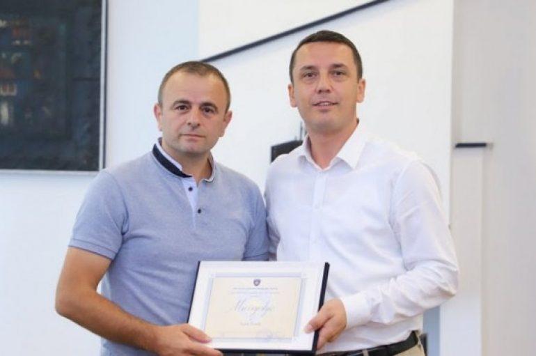 Gashi ndau mirënjohje për ish-mundësin Sadik Ferati